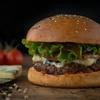 Goûtez aux burgers du restaurant Grand Slam Burger