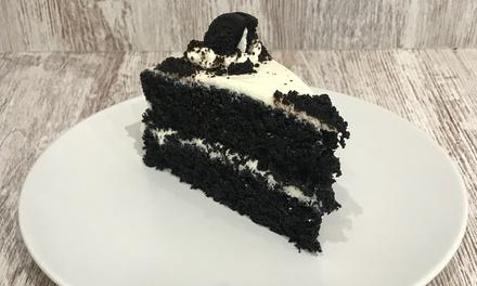 Desayuno o merienda para 2 con porción de pound cake, tarta o muffin y bebida desde 4,99 € en Melat American Bakery