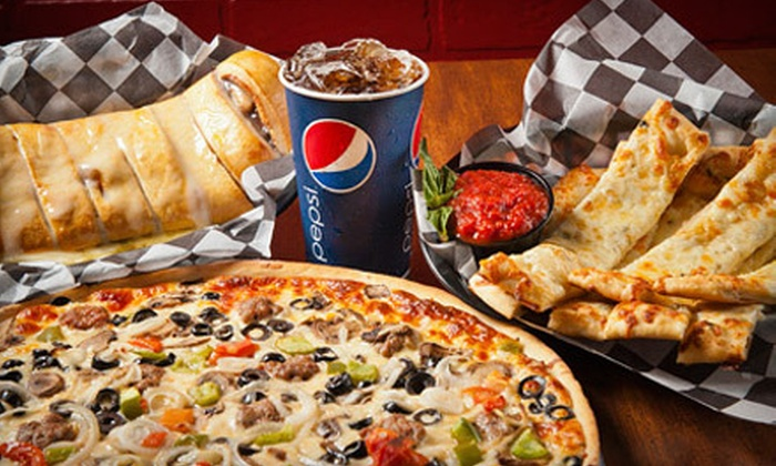 Downtown Pizza - Solar Heights: $24 for a Pizza Dinner for Four at Downtown Pizza in Grafton (Up to $48.13 Value)