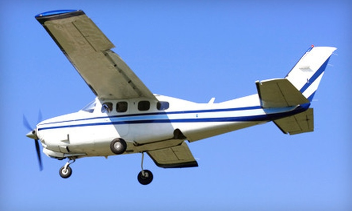 Orange County Flight Center - Santa Ana: $129 for a Flight Lesson at Orange County Flight Center in Santa Ana ($275 Value)