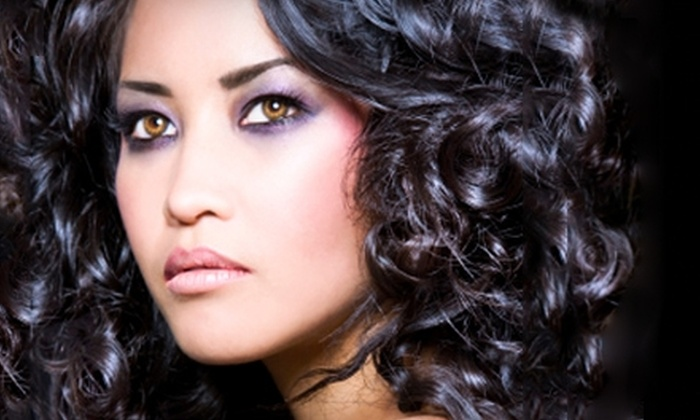 Evolve Salon - Cottage Home: $20 for $40 Worth of Waxing Services or $40 for $80 Worth of Hair Services at Evolve Salon