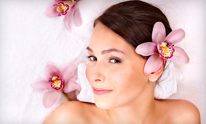 Spalon - Dupont Circle: $99 for a Spa Package with a Manicure, Massage, and Facial at Spalon ($207 Value)