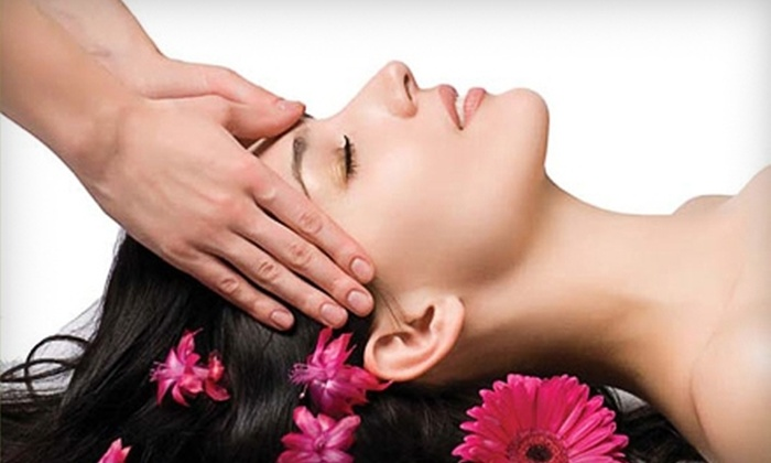Synergy Wellness Spa - Murfreesboro: $35 for Swedish Massage or Deep-Tissue Massage at Synergy Wellness Spa in Murfreesboro ($70 Value)