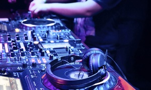 DJ Schule Stuttgart - Flipware: DJ-Schnupperkurs oder DJ-Beginnerkurs im Einzelunterricht in der DJ Schule Stuttgart - Flipware (bis zu 60% sparen*)