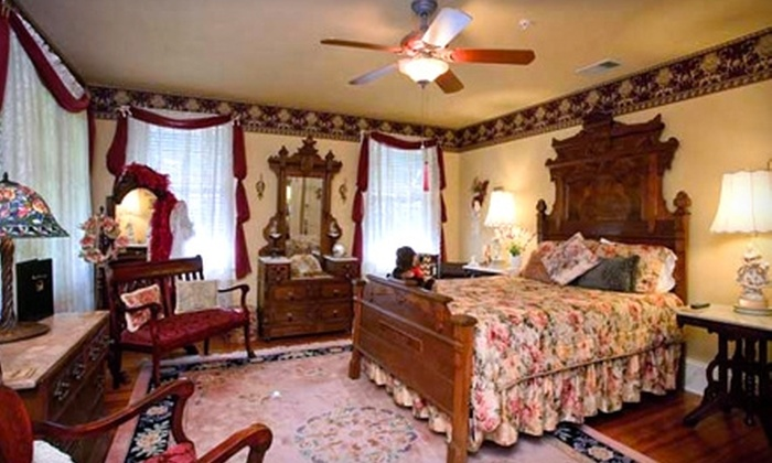 Magnolia Inn Bed & Breakfast - Mount Dora: One-Night Stay at Magnolia Inn Bed & Breakfast in Mount Dora. Two Options Available.