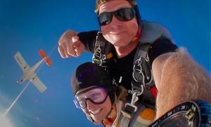 GoJump: Tandemsprung aus 4000 Metern Höhe mit GoJump