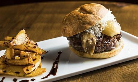 Feeling Good: Menú para 2 o 4 personas de hamburguesa con cubo de patatas fritas y bebida desde 9,90 € junto a Mestalla