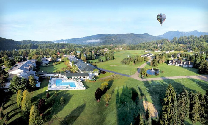 Stoweflake Mountain Resort - Upper Elm Street: One- or Two-Night Stay with Daily Breakfast and Spa Access at Stoweflake Mountain Resort in Stowe, VT