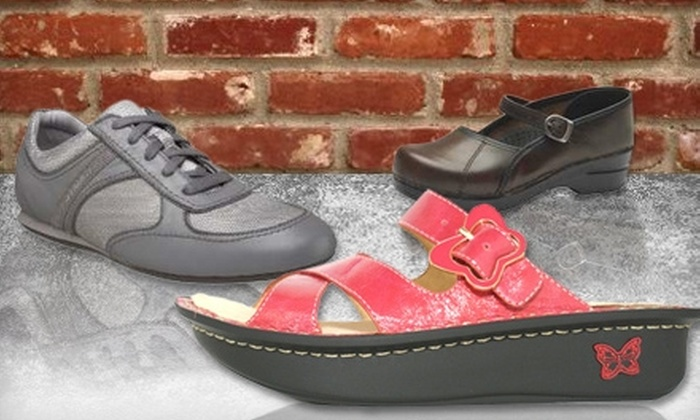 Shoe Parlor - Clinton: $25 for $50 Worth of Footwear at Shoe Parlor