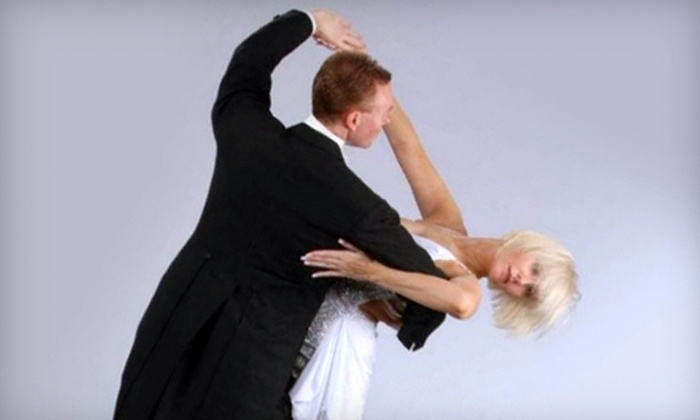 Uptown Ballroom - Multiple Locations: One-Month Beginners' Swing- or Round-Dancing Package at Uptown Ballroom