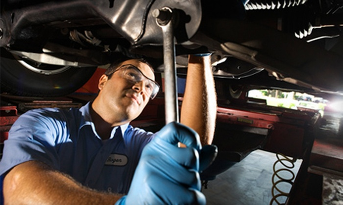 Meineke Car Care Center - Southwest Raleigh: $35 for Oil Change and Front-Wiper-Blade Replacement at Meineke Car Care Center (Up to $99.99 Value)