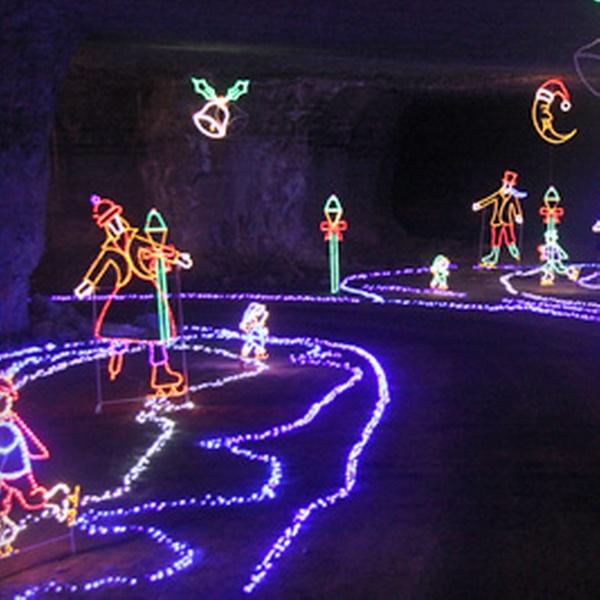 Mega Cavern Christmas Lights.Louisville Mega Cavern