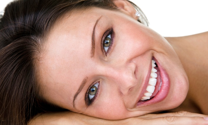 Gleam Whitening Florida - Media and Entertainment District: $89 for an Advanced Teeth-Whitening Treatment at Gleam Whitening Florida ($199 Value)