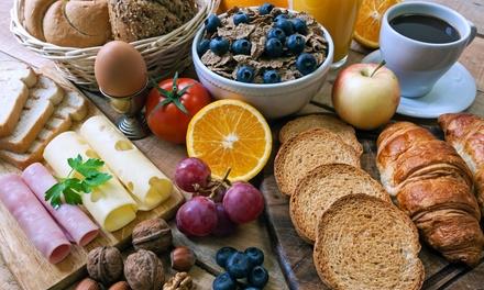 Französisches Gourmet-Frühstück inkl. Prosecco od. Orangensaft für Zwei oder Vier bei Paris Saigon (bis zu 41% sparen*)
