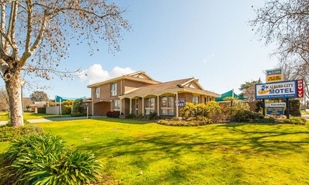 Albury, NSW: 1-3N Stay for Up to 5 People with Breakfast, Early Check-In and Late Check-Out at Albury City Motel
