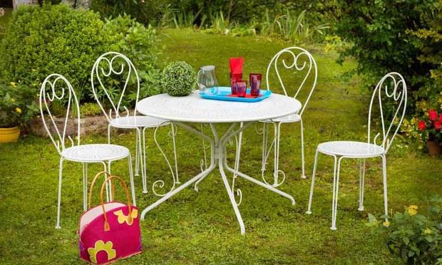 Salon acier casablanca table 4 chaises groupon shopping for 33 fingers salon groupon