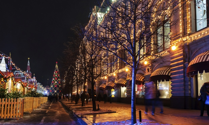 BYOB Holiday Trolley Tour - Matilda's: Take in Chicago's Best Holiday Lights on a BYOB Trolley