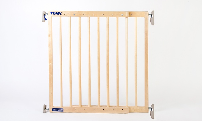 Tomy Extendable Wooden Stair Gate ...