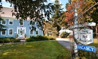 Colonial B&B in Seaside New England Town