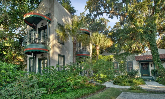 Village Inn & Pub - St. Simons: One-Night Stay at Village Inn & Pub in St. Simons Island, GA