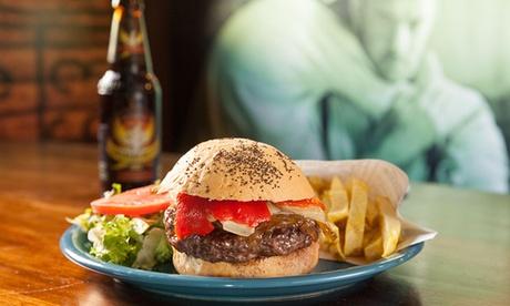 Menú de hamburguesa para 2 personas con entrante, principal, postre y bebida desde 18,95 € en Lauren Chicago Dinner
