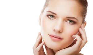 De La Mer Salon & Spa: One or Three Signature Facials at De La Mer Salon & Spa (Up to 65% Off)