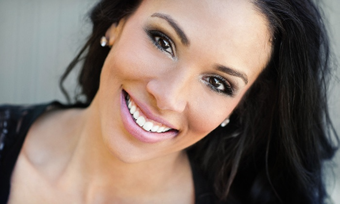 Whiten My Smile Now - New Irving Park: $39 for a 15-Minute Organic Teeth-Whitening Treatment at Whiten My Smile Now ($139 Value)