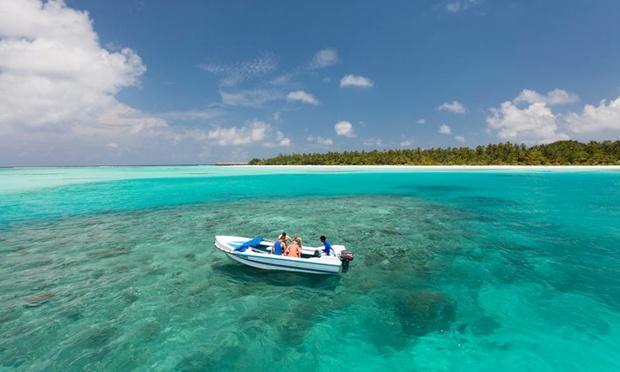 Maldives: 4* Resort + Flights 4