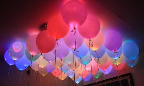Packs de hasta 12 globos LED de diferentes colores desde 2,99 € (hasta 85% de descuento)
