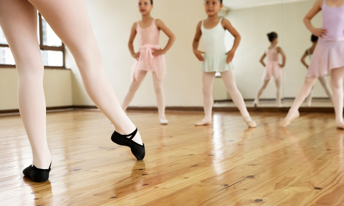 Danceworks - Dover Shores West: Four or Eight Weekly Dance Lessons at Danceworks (Up to 56% Off)