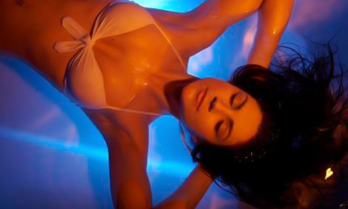 The Float Spot - Multiple Locations: $39 for a Floatation Experience with an AquaMassage at The Float Spot-Tranquility Studio ($75 Value)