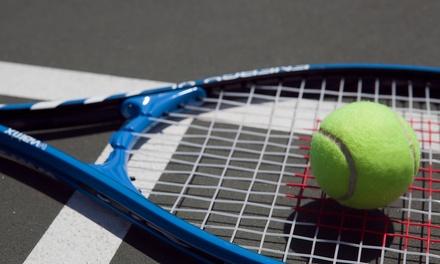 Indoor- oder Outdoor-Tennisspiel