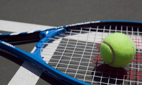 Bono de 8 o 12 clases de tenis o padel desde 29,95 € en Club De Tenis y Padel Hytasa