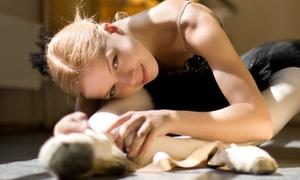 Nuova Espressione Asd: 10 o 20 lezioni di danza classica o moderna da Nuova Espressione Asd (sconto fino a 79%)