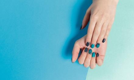 2 sesiones de manicura y/o pedicura o 1 sesión de uñas de gel con opción a relleno desde 12,95 € en D'Luxe Cabeleireiros