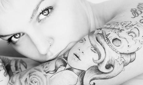 Paga desde 9 € por un descuento de hasta 150 € en un tatuaje en color o en negro