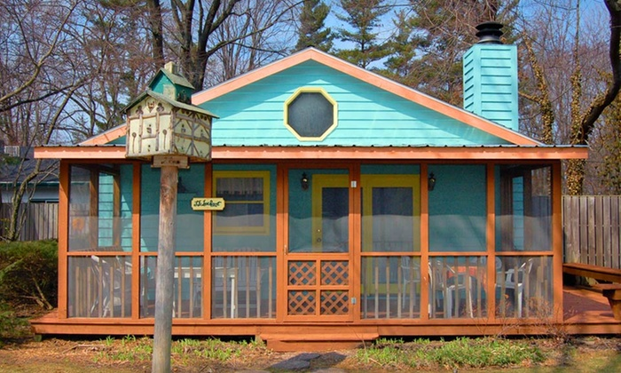 Pine Garth - Union Pier: Two-Night Stay at Pine Garth Inn in Union Pier, MI