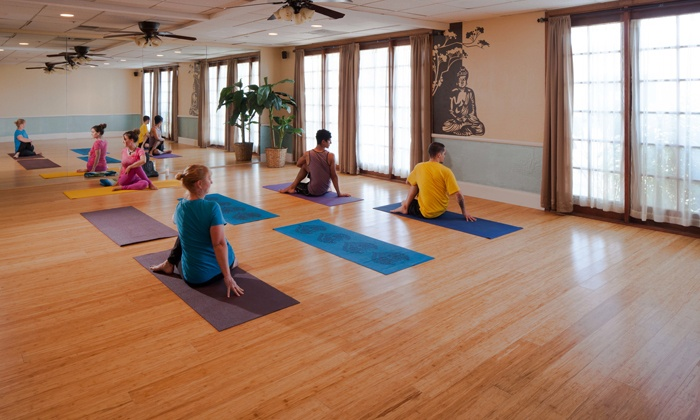 Spa Lamar - South Scottsdale: One Month of Unlimited Yoga Classes or 10 Classes atSpa Lamar(Up to 66% Off)