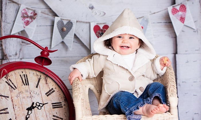 MomentForever Image - Markham: C$25 for a Baby or Family Photo Shoot with Digital Images & Prints at MomentForever Image (C$169 Value)