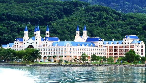 Langkawi: Castle-Themed Resort 0