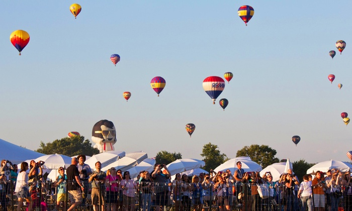 QuickChek New Jersey Festival of Ballooning - Solberg Airport Readington New Jersey: Two or Four One-Day Tickets to the QuickChek New Jersey Festival of Ballooning July 25, 26, or 27 (Up to 40% Off)