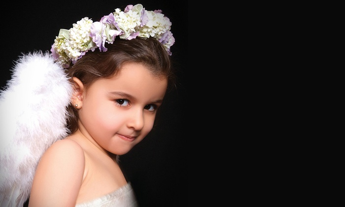 Image Lounge - Abu Dhabi: Image Lounge: Baby (AED 149) or Family (AED 219) Photoshoot With Prints (50% Off)