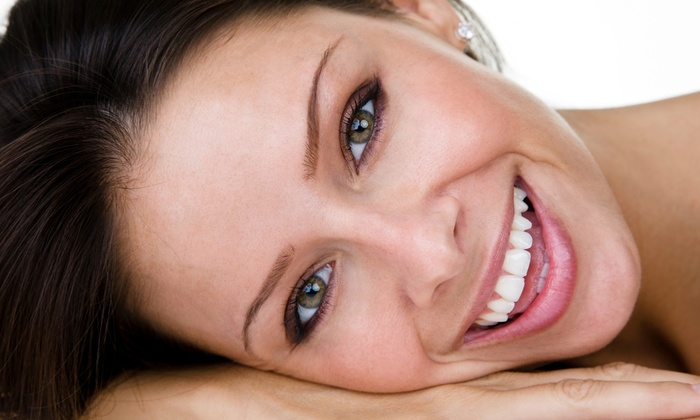 Pearly Whites Express: $23 for Three At-Home Teeth-Whitening Trays from Pearly Whites Express ($45 Value)
