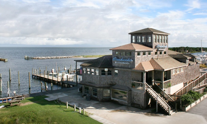 The Breakwater Inn - Outer Banks, NC: One-Night Stay at The Breakwater Inn in Hatteras, NC