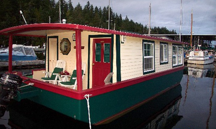 House Boats for Two - Brinnon: Two-Night Stay for Two in a Standard or Luxury Houseboat at House Boats in Brinnon (Up to Half Off)