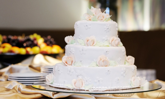 how to hold a wedding cake consultation wedding cake consultation cakeology ltd groupon 15741
