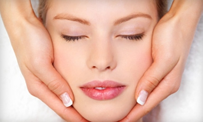 HairTrix Spa - Lincoln: $25 for a 60-Minute Facial (Up to $60 Value) or a Chemical Peel ($50 Value) at HairTrix Spa