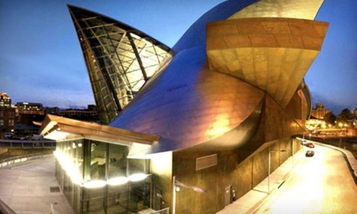 Taubman Museum of Art - Downtown: $32 for a Family Membership ($65 Value) or $55 for a 110 Society Level Membership ($110 Value) at Taubman Museum of Art