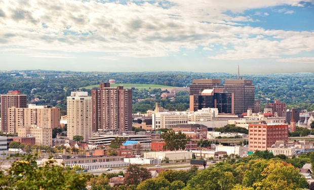Hotel deals in Syracuse, NY: Discover the best hotels in Syracuse.