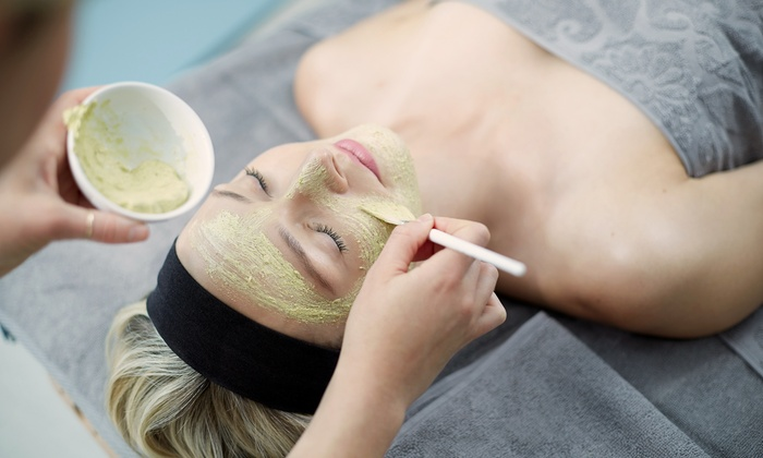 Weekend B. - Weekend B.: One Deep-Cleansing or Signature Facial at Weekend B. (Up to 55% Off)